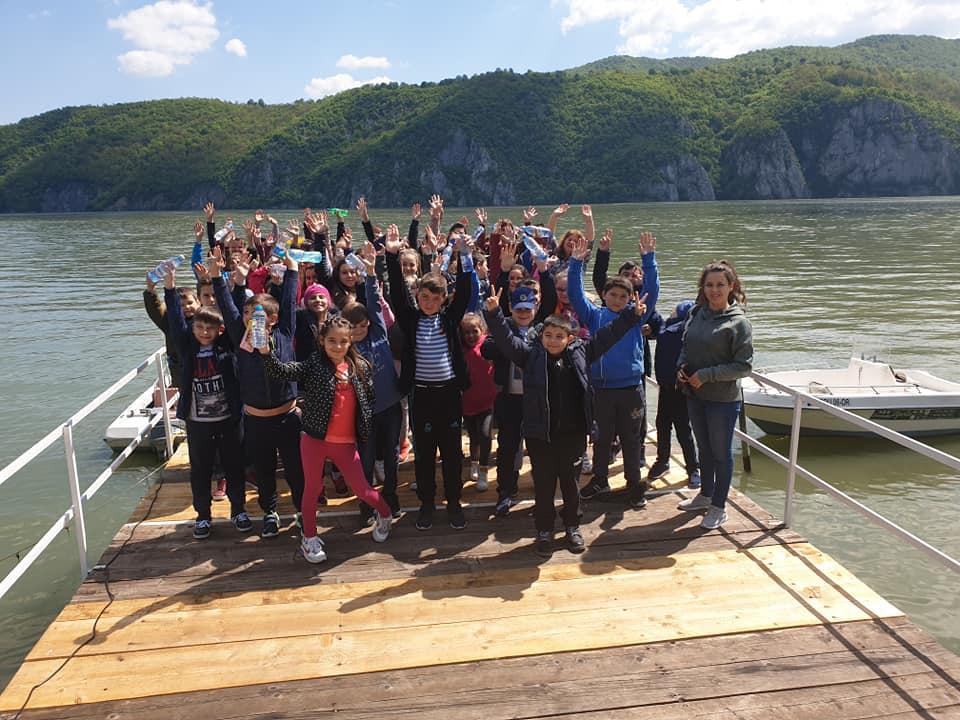 bucuria copiilor in Cazanele Dunarii